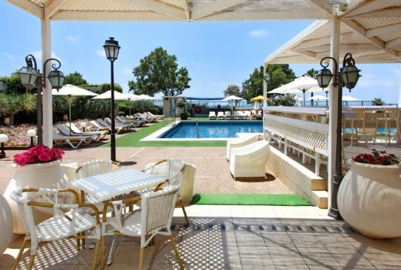 העונות נתניה- דילים חמים למלונות בנתניה
